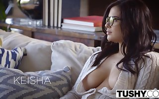Bed basically Hot Wife Keisha Grey Enjoys Threesome
