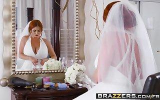 Brazzers - Brazzers Exxtra - Derogatory China scene starring Lenn