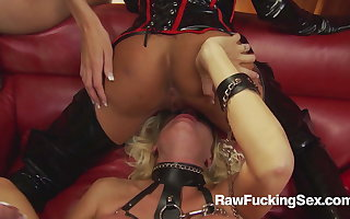 Raw Fucking Sex - Michelle Thorne In Latex Serve Loves Fuck