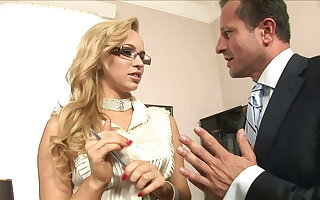 He cums Two Times on her: Job Audition turned into permanent anal