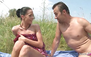 Slim Nudism Teen Inveigle to Seaside Ass Sexual relations by Stranger Voyeur