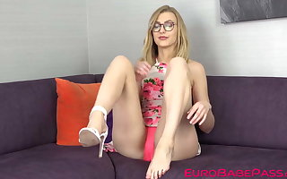 Voluptuous Euro girl Alexa Grace gets naked and masturbates