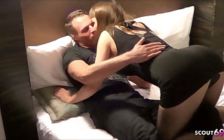 Privat No Condom Creampie Gangbang with German Teen Elise 1