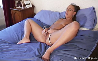 Early Emma Butt Masturbating to Real Wet Palpitating Orgasm