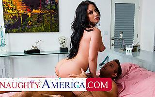 Naughty America - Jennifer Uninspired gets neighbor's chunky cock
