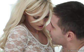 Candee Licious has orgasms on a big locate