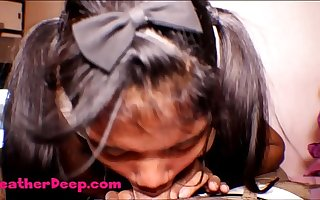 HD Thai Teen Heather Deep gives deepthroat throatpie for new laptop shrine