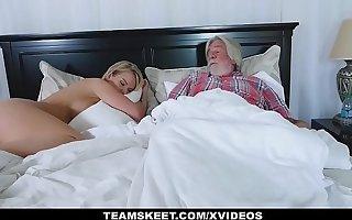 FamilyStrokes - Sexy Housewife Fucks The brush Stepson