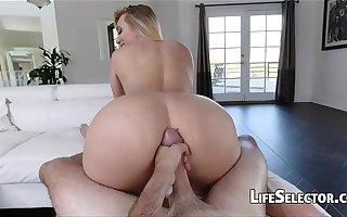 AJ Applegate - Cute blonde loves get cum on the brush asshole
