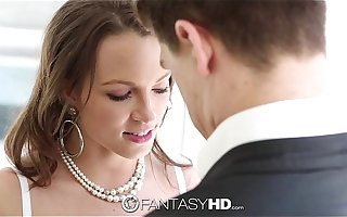 Lily Love deep throats a huge blarney - FantasyHD