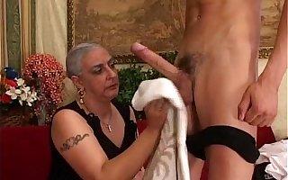 Granny Loves Big Unearth