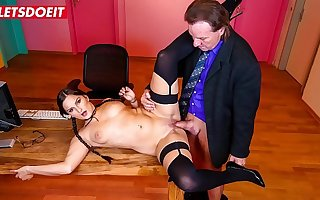 LETSDOEIT - Titillating Babe Holly Banks It's Having A Good Lifetime At The Office