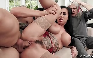 Beamy Tit Lily Lane Cucks Her Husband By Fucking The Well Endowed Chauffeur